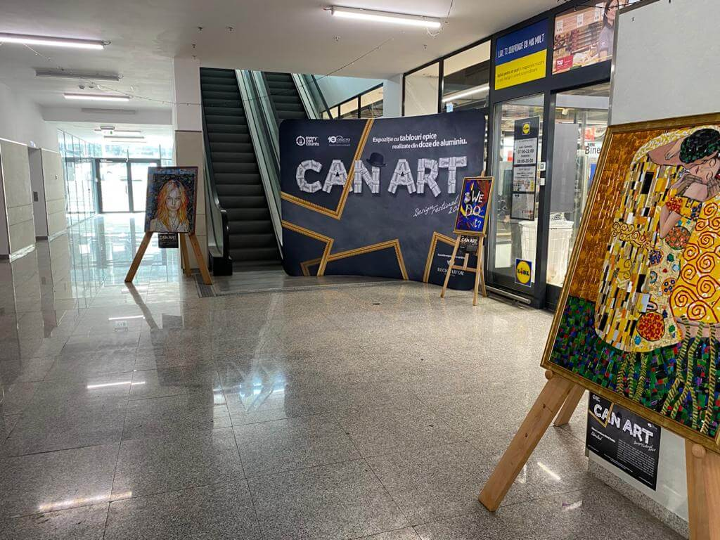 Vizitați expoziția de tablouri epice realizate din doze de aluminiu, aflată la Direcția de Utilități Publice, Salubrizare și Protecția Mediului din Sectorul 1